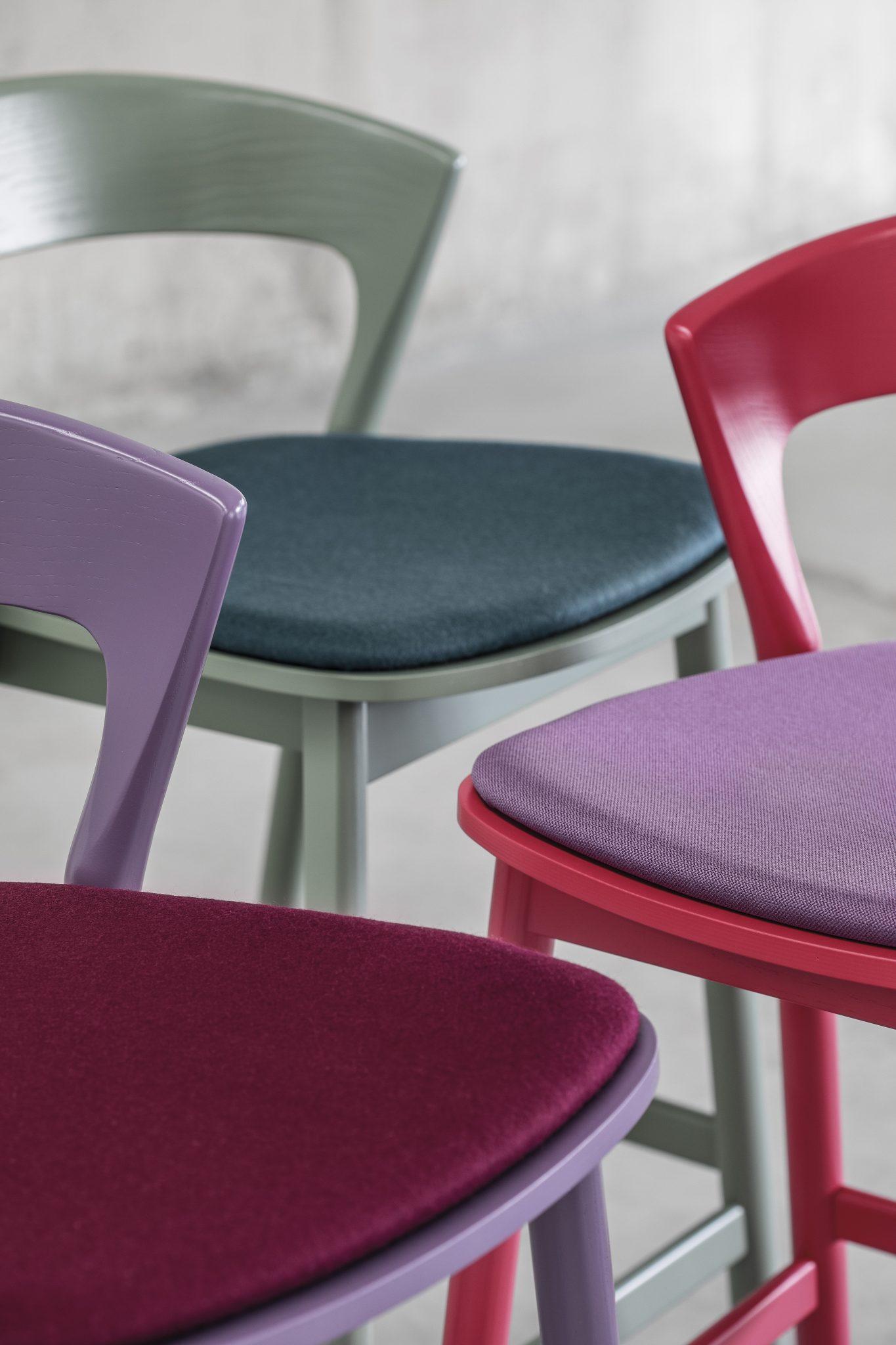 0075_imb_edith_stool